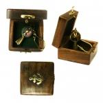 Брелок - в деревянной коробочке с логотипом Baltron