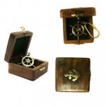 Брелок штурвал - в деревянной коробочке с логотипом Baltron